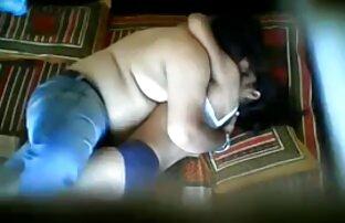 Maîtresse serrée jean facesitting fétiche sexe pournou