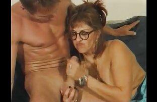 Grand-mère xxl video gratuits prend une jeune bite dans de vieux trous humides