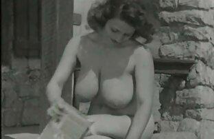 Lez fait-le video sex prono gratuit sur le lit