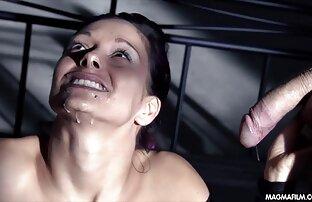 Une ado donne une branlette dans une piscine publique porn tu kif
