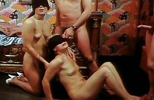 La video xxx gratuit amateur secrétaire Belle Noire baise en bas noirs